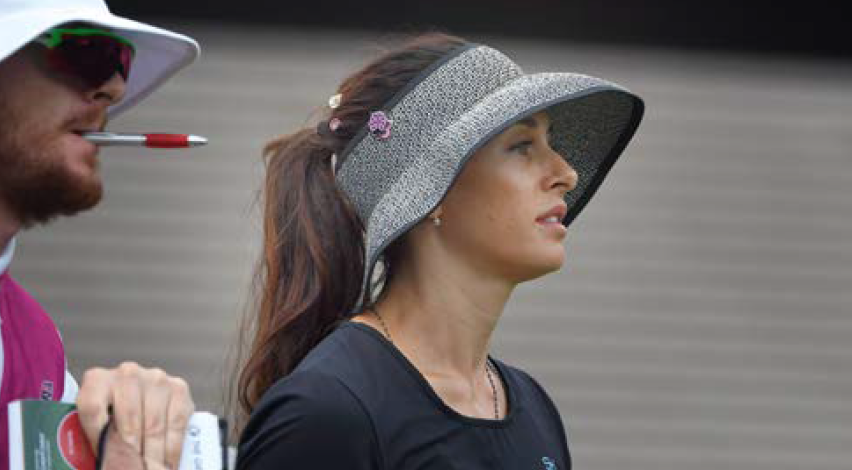 Le « chapeau » unique de Maria Verchenova.
