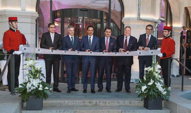 Alain Kropf, Directeur Général de l'Hôtel Royal Savoy en présence de Son Excellence M. Hamad Abdulla Al-Mulla (Président Directeur Général de Katara Hospitality)