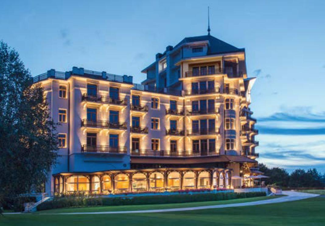 L'Hôtel Royal dans son habit de lumière.