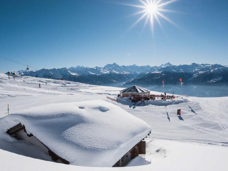 Un panorama exceptionnel depuis les pistes enneigées.