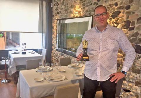 Au Miramar, J. Gómez est fier de la reconnaissance de la qualité de sa cuisine.